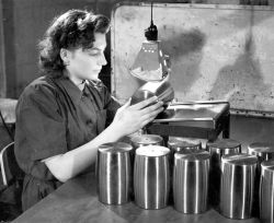 Hình ảnh sản xuất vòng bi SKF cách đây hơn 100 năm